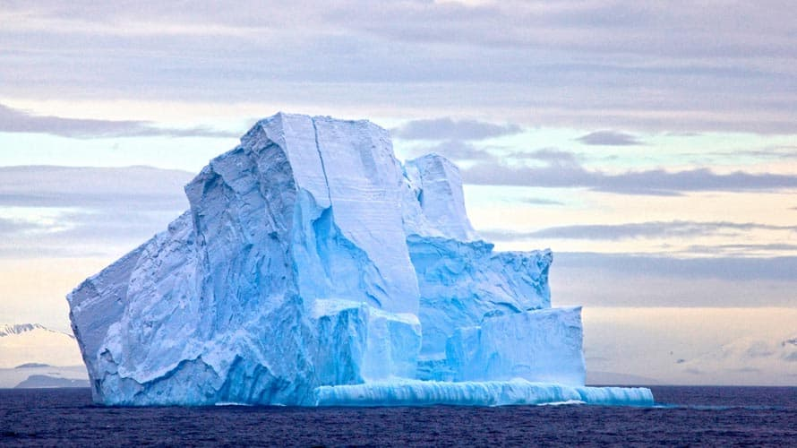 How Are Icebergs Formed?